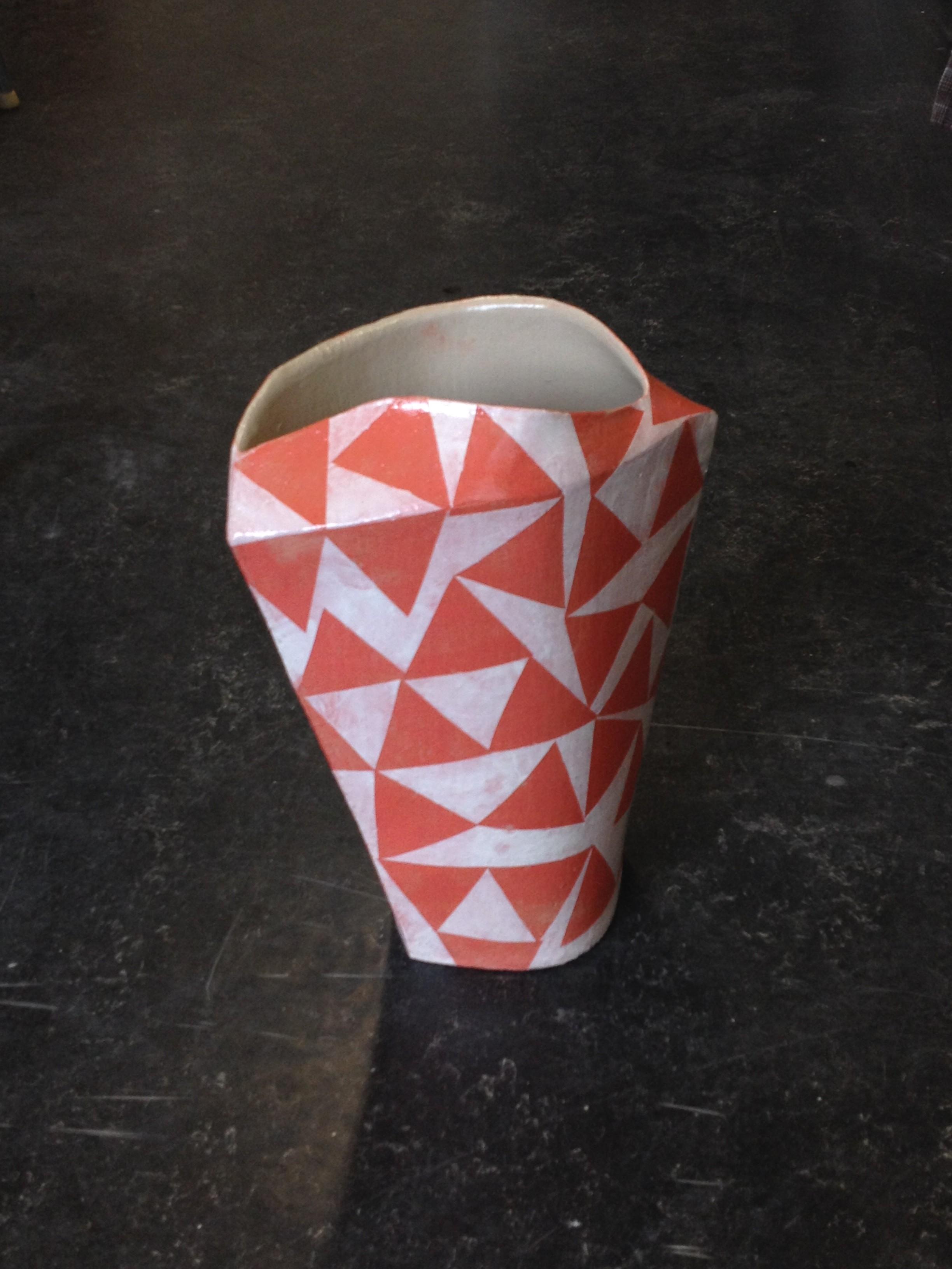 grosse vasen in der ausspartechnik keramikwerk. Black Bedroom Furniture Sets. Home Design Ideas